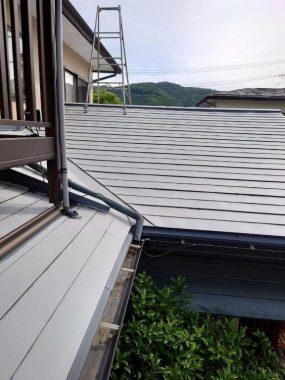 屋根の色褪せ、気になりませんか?